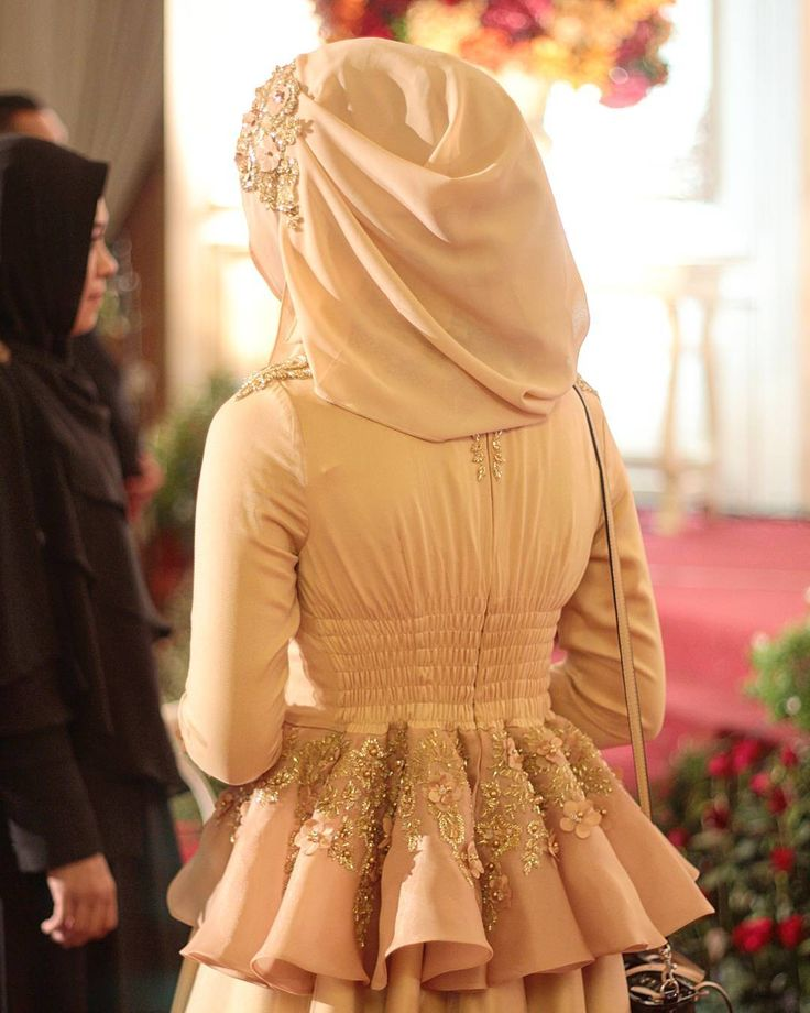 We always love the detail of Ayu Dyah Andari's dresses. by byayudyahandari