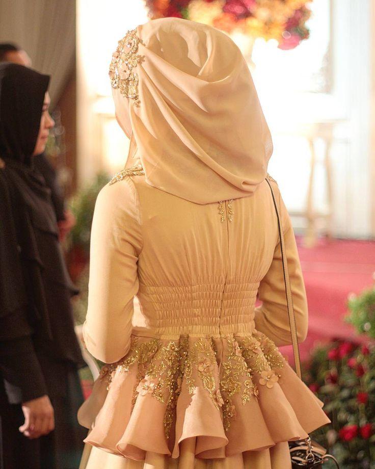 We always love the detail of Ayu Dyah Andari's dresses. by byayudyahandari