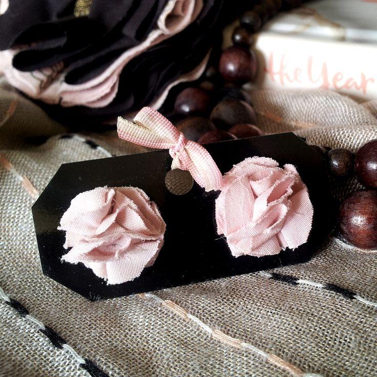 BissBiss   #bissbiss #shopbissbiss #fabricflowers #flowers #handmade #handmadewithlove #ooak #accessories #ecofashion #sustainable   #pink #prettyinpink #earrings #jewelry