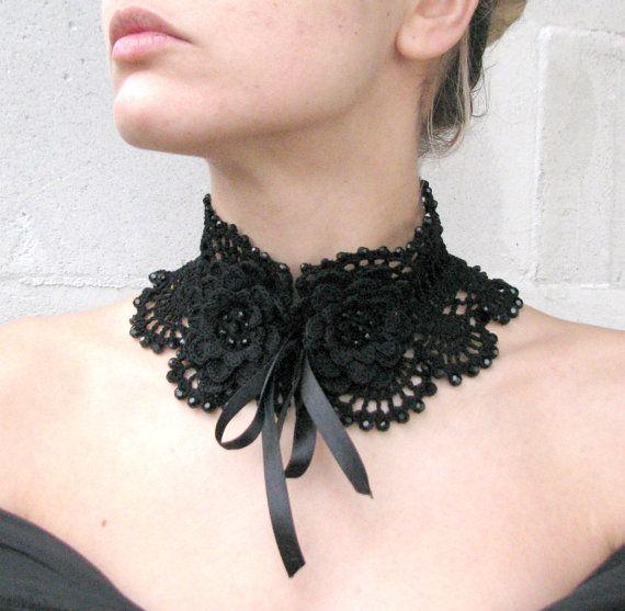 He encontrado este interesante anuncio de Etsy en https://www.etsy.com/es/listing/211734297/acrilicos-negro-ganchillo-collar-de