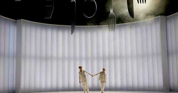 Hänsel und Gretel.Ko - Hänsel und Gretel.Komische Oper Berlin. Scenic design by Bart Wigger. --- #Theaterkompass #Theater #Theatre #Schauspiel #Tanztheater #Ballett #Oper #Musiktheater #Bühnenbau #Bühnenbild #Scénographie #Bühne #Stage #Set
