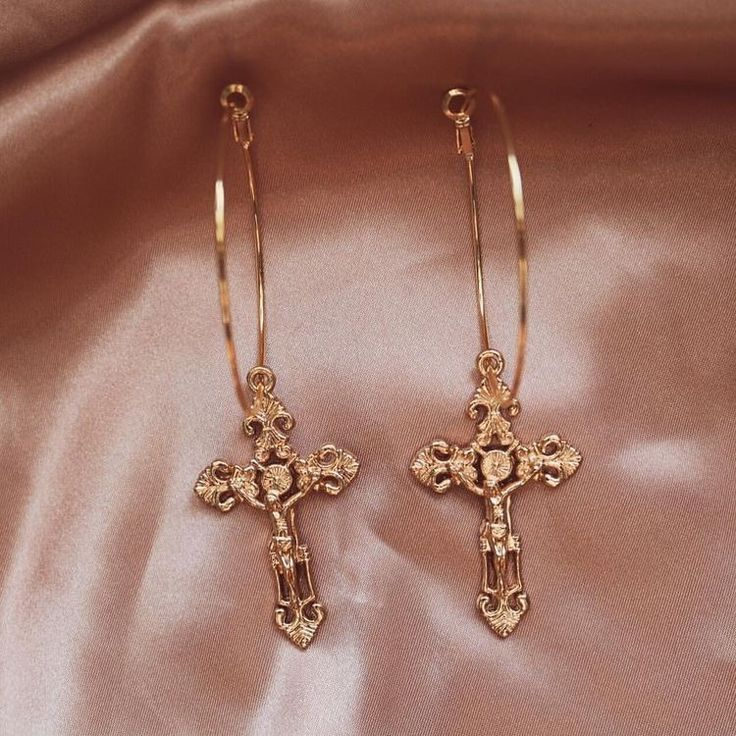 Du liebst elegante und stylische Halsketten?✨ nybb.de – Der Nr. 1 Online-Shop