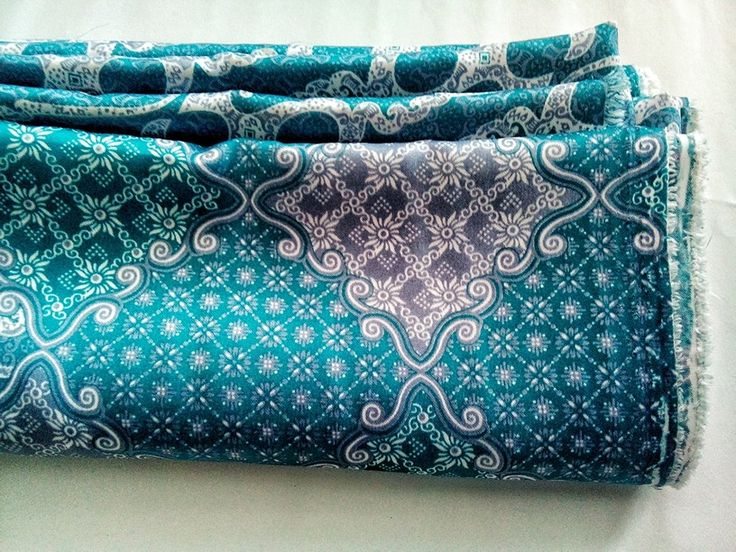 FOR SALE°°°Batik solo, Indonesia original. Batik lereng biru. Material: soft tenun fabric. Size: 2 meters. Price: IDR 120.000