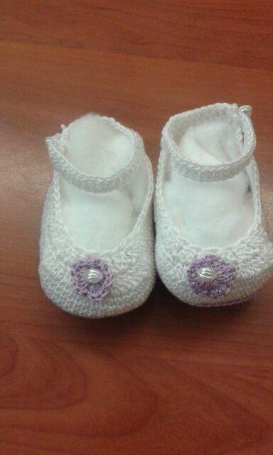 Scarpette neonata realizzate a mano all'uncinetto....non sono troppo carine!?