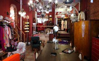Mozk | cihangir'de ikinci el giyim ve antika ev eşyası