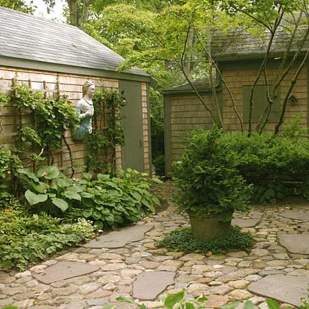 17 best images about courtyard garden 39 s on pinterest for Small shady courtyard ideas