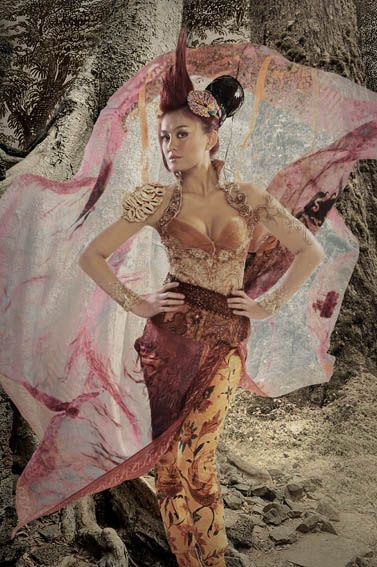 Agnes Monica in Kebaya Batik by Anne Avantie