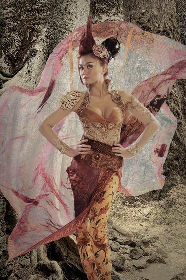 Agnes Monica in Kebaya Batik by Anne Avantie