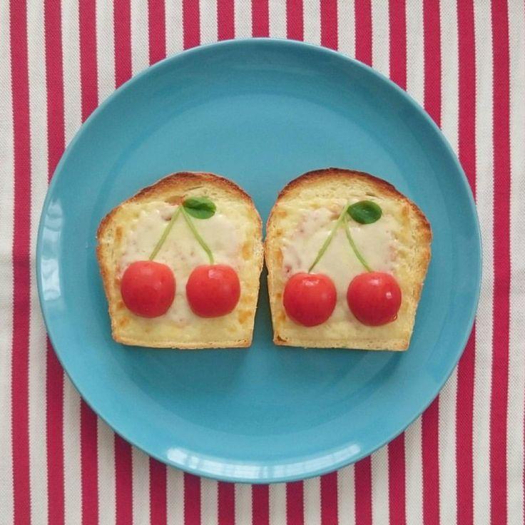 いいね!220件、コメント8件 ― hariiさん(@harii3)のInstagramアカウント: 「娘たち用。 #さくらんぼトースト #さくらんぼパン #トースト #パン#食パン#さくらんぼ#プチトマト#豆苗#チーズ#朝ごはん #おうちごはん #ピザトースト#かわいい#breakfast…」
