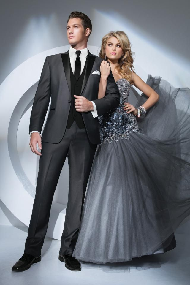 Stunning Tony Bowls Grey Portofino Slim Fit Tuxedo Jim us Formal Wear