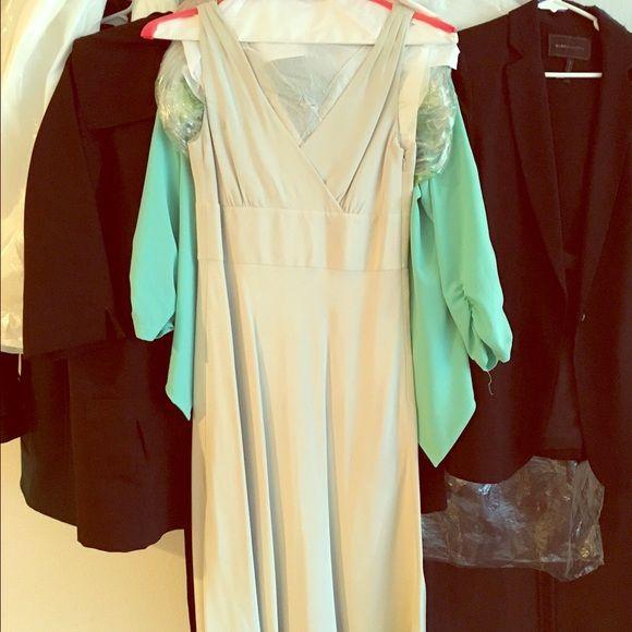 "J crew bridesmaid dress size 4 Bridesmaid dress, size 4. J crew. No alterations. Hits a little below my knees, I'm 5'3"". J. Crew Dresses Midi"