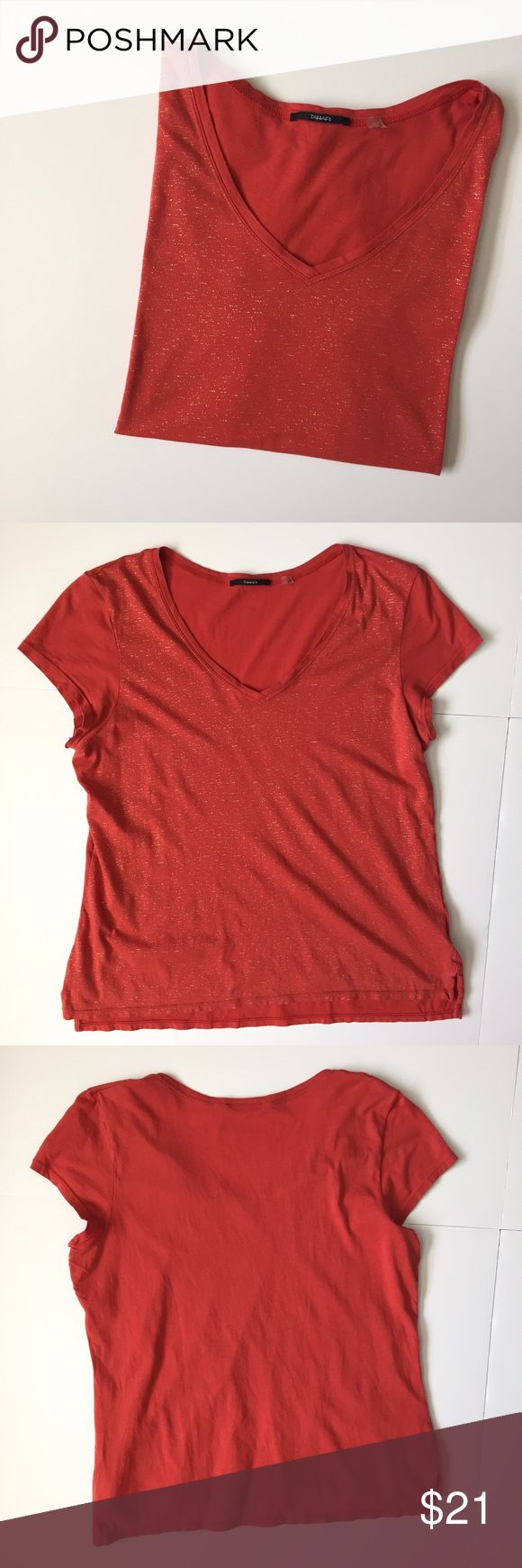 """Tahari Red & Gold Short Sleeve Top Burnt Red colored short sleeve top with Gold fleck pattern on the front. 100% cotton. About 23"""" long, 19 1/2"""" pit to pit. Has a very small discolored dot on the right shoulder but wouldn't show up in the picture. Otherwise, shirt is in great condition. NO TRADES. Tahari Tops Tees - Short Sleeve"""
