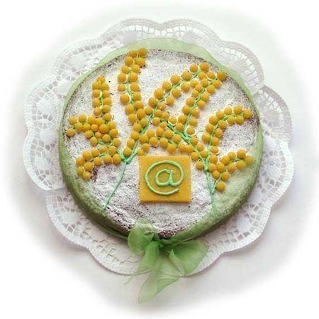Torta mimosa - La torta gialla con decorazione di mimosa. Che ne dite per la festa della donna di preparare un menu tutto in giallo ,davvero perfetto per celebrare questa ricorrenza? Non dovrete fare altro che scegliere i cibi e gli ingredienti migliori per creare ricette sfiziose, gustose e anche davvero bellissime da vedere. Ecco a voi tantissimi suggerimenti per preparare un pranzo o una cena da sogno per le vostre amiche.