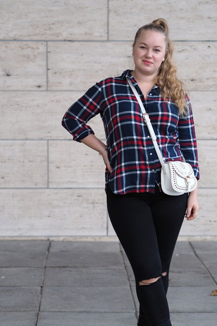 Pitsiniekka | Fall Outfit with Lumberjack Shirt and a High Ponytail