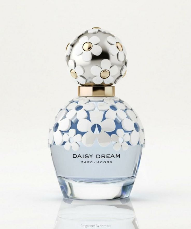 """DREAMING OF FLOWERS! Daisy Dream, the latest Daisy incarnation, is due out in July. The composition tends to create a """"blue effect,"""" made from unusual floral and fruity aromas. There are accords of blackberries, pear, blue wisteria, jasmine and coconut water. Read more: http://www.fragrance24.com.au/woman/marc-jacobs-daisy-dream/"""