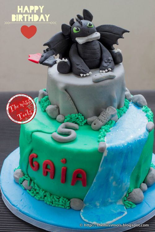 The Miss Tools: Festa Dragon Trainer e Torta Sdentato per il quinto compleanno - Dragons Party and Toothless Cake for the 5th Birthday