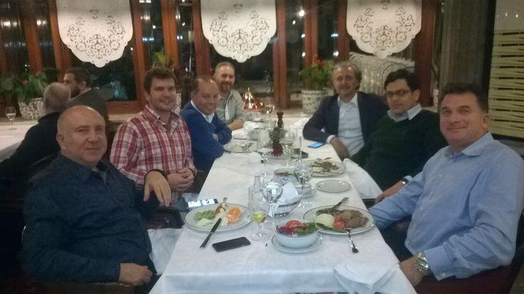 Gilbarco Orta Doğu ve Afrika Müdürü Stephen Richards, Distribütör Müdürü Malek Ali, Ülke Müdürü Fatih Koçyıldır ; Yönetim Kurulu Başkanımız Fatih Akın  ve yönetim kurulu üyelerimiz ile birlikte  oldukça başarılı geçen 2015 yılını değerlendirme toplantısı ardından  keyifli bir akşam yemeği yediler.  torapetrol.com