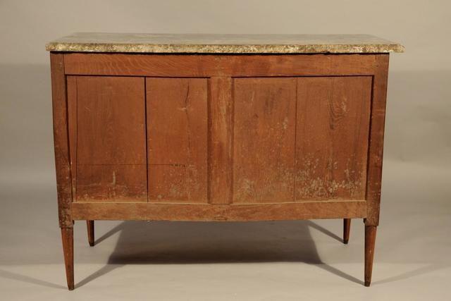 Commode l ger ressaut ouvrant trois tiroirs en bois de placage encadrem - Commode trois tiroirs ...