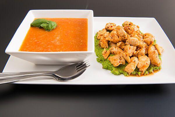 Tomatensoep en kip met doperwtenmousse #avogelrecepten