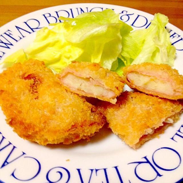 昔からハムにポテトサラダが入っているのが好きで作りました。 今回は揚げ焼きにしています。 - 92件のもぐもぐ - ハムサラダフライ by mayumi0525