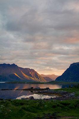 Marcus Måhlberg - Gimsøya i midnattssol