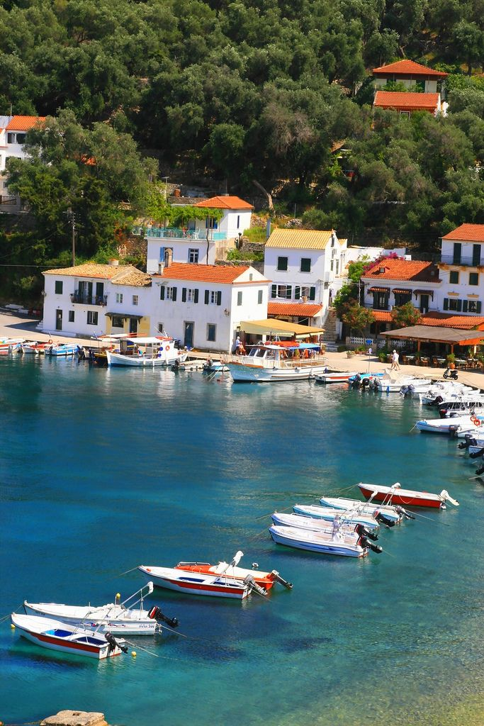 Port and sea, Paxos