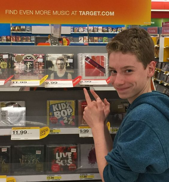 "americanypsycho: ""Jake Karlen, aka the face of American Beauty/American Psycho, buying a copy of the album. """