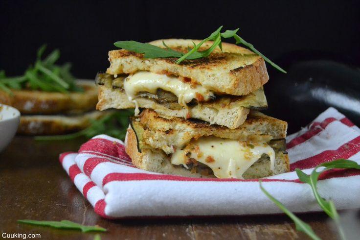 Cuuking! Recetas de cocina: Sandwich italiano de mozzarella y berenjena #ClubS...