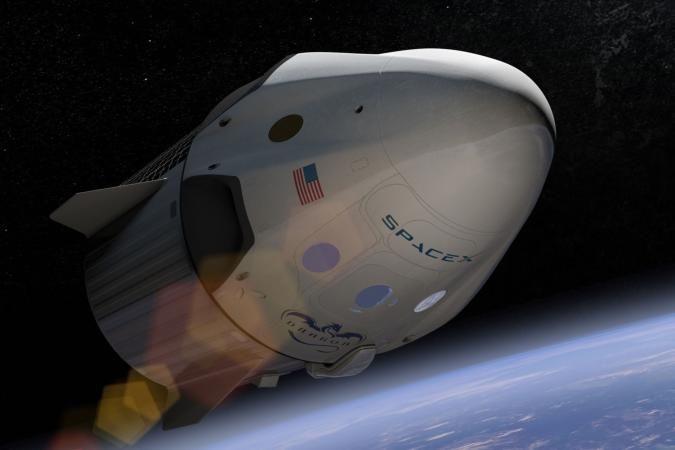 Η SpaceX ανακοίνωσε την πρώτη ιδιωτική πτήση γύρω από το φεγγάρι το 2018