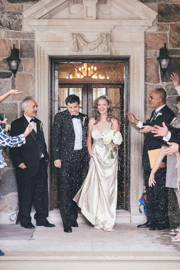 Wedding Photographers - Toronto Wedding Studios, 588 Eastern Ave, Toronto, ON, Canada, TEL(416)993-8995 | Dimitra and Charles | Graydon Hall | Summer Wedding | http://www.torontoweddingstudios.com