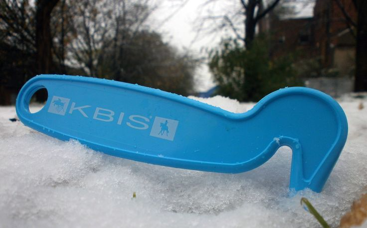 A 'cool' picture of the KBIS British Equestrian Insurance Hoof Picks we have produced. Helps ensure that your horse is ready for the Mane event! #promo #horse #hoof #hoofpick #snow