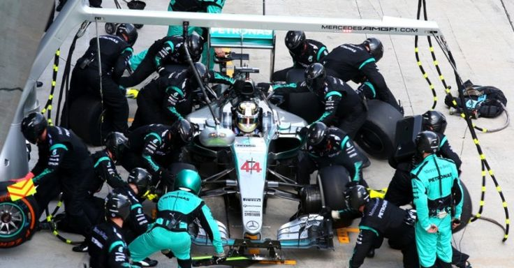 Mercedes also fastest pit crew in 2015 F1