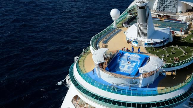 What life is really like on Royal Caribbean's Explorer of the Seas #travel #holiday #cruiseship #cruise #justcruisin'