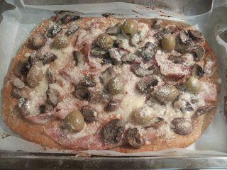 Gatesc pentru cei dragi: Pizza cu faina de secara