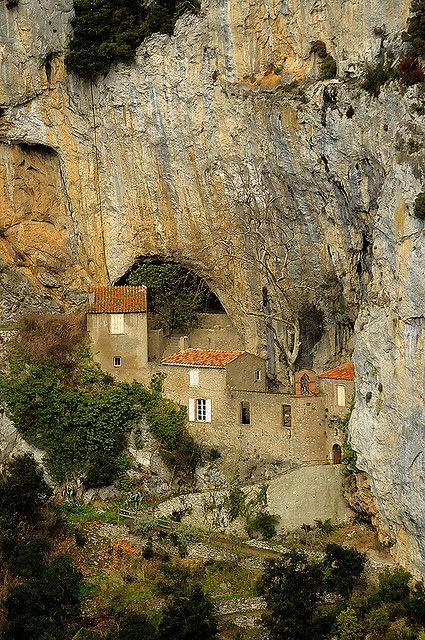 Gorges de Galamus France :: Ermitage Saint-Antoine de Galamus √ http://fr.wikipedia.org/wiki/Ermitage_Saint-Antoine_de_Galamus