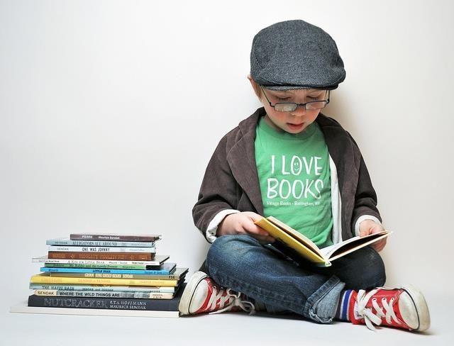 Niño leyendo | Letras e imágenes | Pinterest