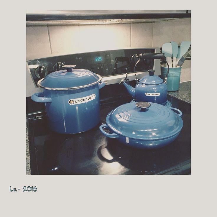 I am so happy! Finally I have my set the #lecreuset . I'm to star my new collection of kitchen . I choice the best #lecreuset #marseille . Estoy #feliz de entrar al mundo de Le Creuset.