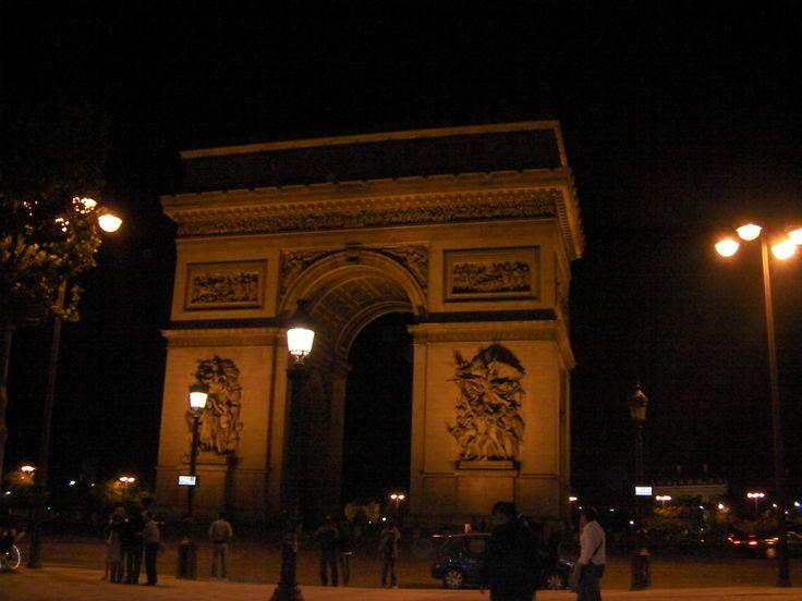 Arco do Triunfo -  Paris