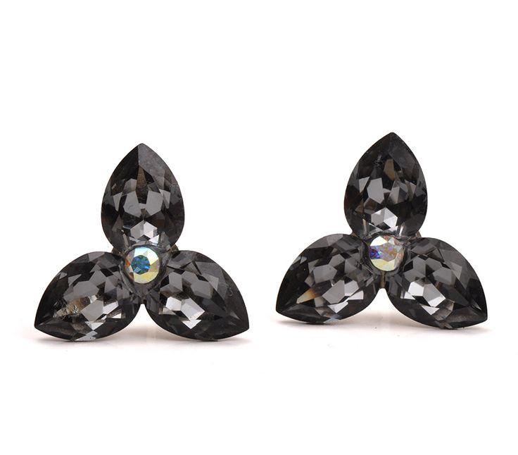 Serviciu de lipire cu Swarovski Fancy Stones și Swarovski Xirius #bijuterii #swarovski #swarovskicrystals #argint #simoshop #cercei # serviciidelipire