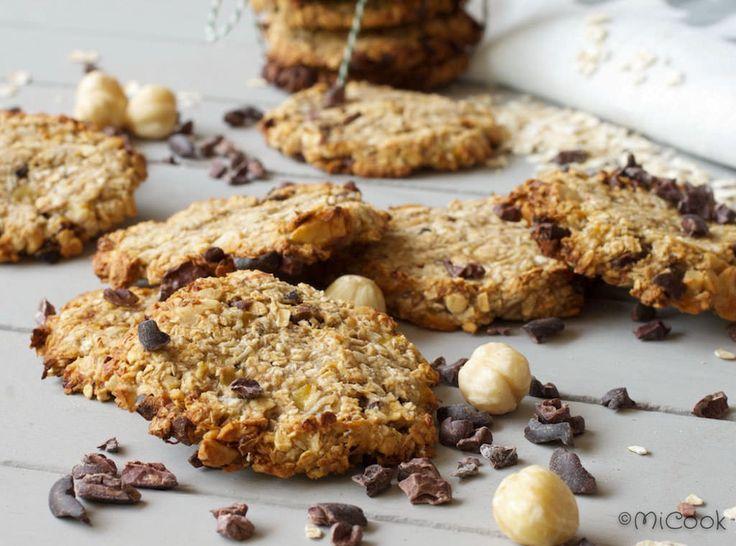 Havermoutkoekjes met cacao nibs! Heerlijke, gezonde koekjes met cacao nibs, noten & kokos gemaakt voor voornamelijk havermout & banaan.