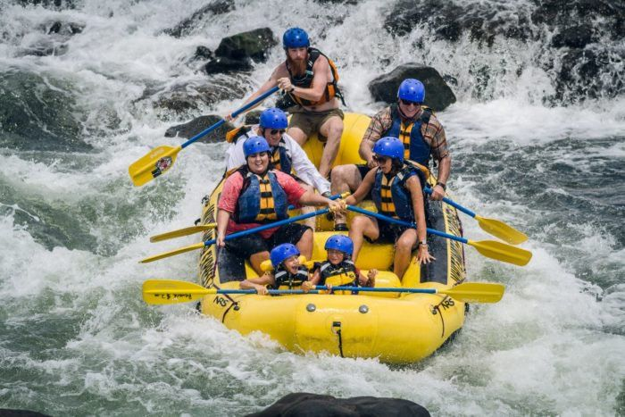 This White Water Adventure In Alabama Is An Outdoor Lover S Dream Adventure Phenix City Alabama Whitewater Rafting