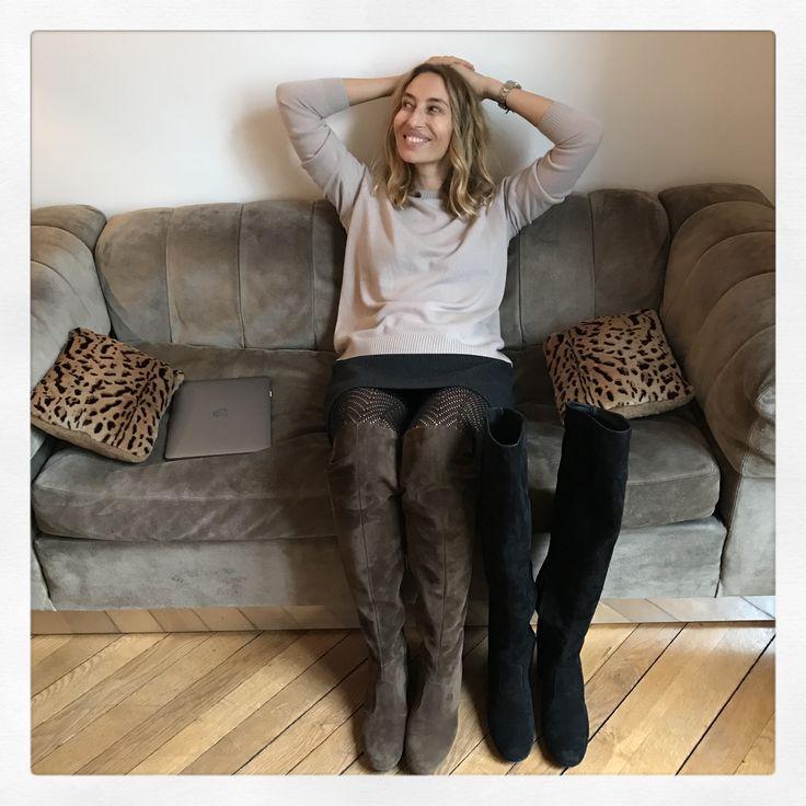 Pull en cachemire Alexandra Golovanoff - jupe Miu Miu - bottes Saint Laurent