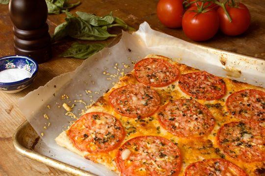 Three Cheese Tomato TartChees Tarts, Tomatoes Recipe, Yummy Recipe, Summer Recipe, Tomatoes Tarts, Yummo Food, Three Cheese, 2011 08 21 Tomatotart2 Jpg, Cheese Tomatoes
