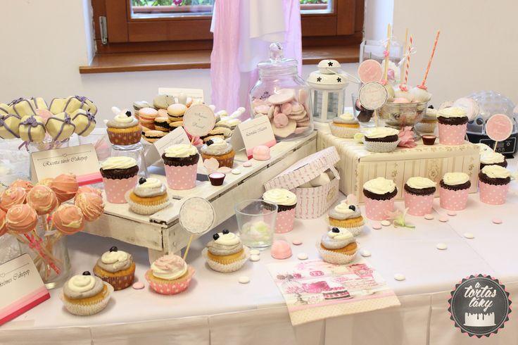Complete dessert table