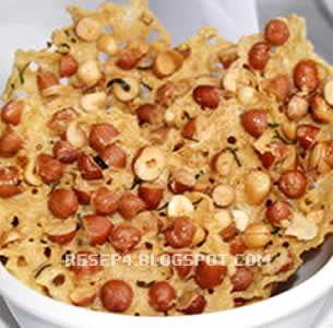 resep rempeyek kacang tanah: SO GOOOOOOD even the one with anchovies is YUM. Saya enak sekali!!!