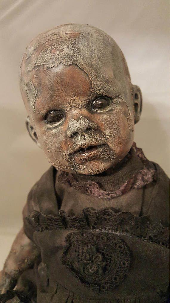 Griezelig Baby Doll  laarzen Tyner Repro Repaint  16 OOAK