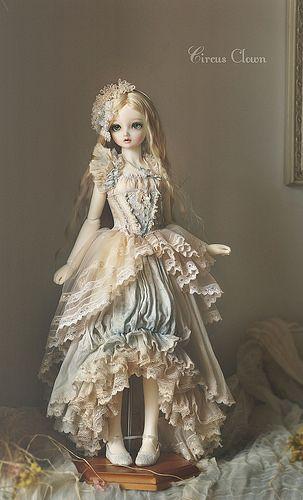 :: Crafty :: Doll ::