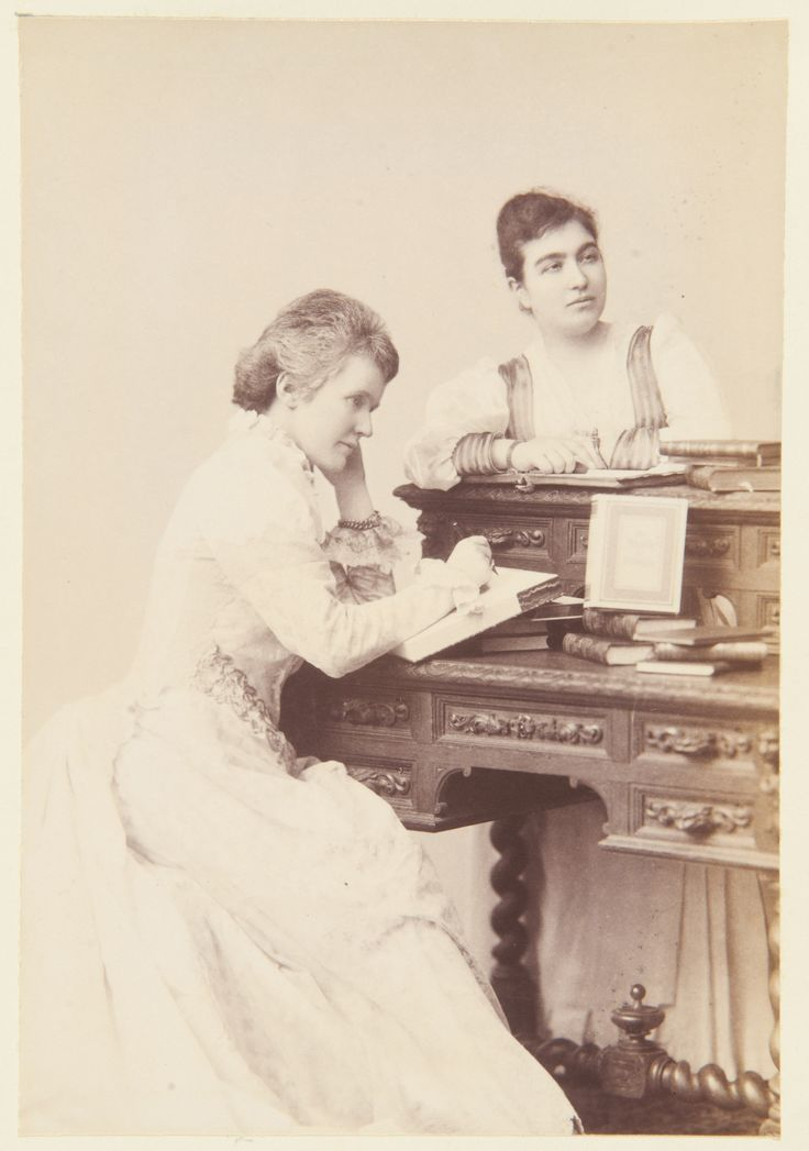Elizabeth, Queen of Roumania, and Mademoiselle Héléne Vascareséo