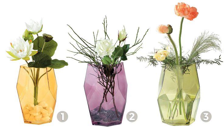 Galbenă, mov sau verde? Orice culoare ai alege, umple-o cu flori sau crenguțe iar efectul este garantat: culoare și eleganță.