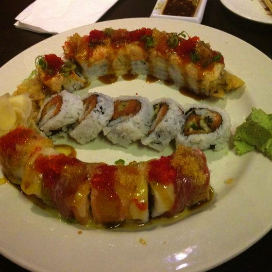 """I order the NorCal Roll when I go there. It's a California roll with eel, deep fried in tempura batter w/ this spicy chipotle Sauce drizzled across the top. Yumm!"" (Osaka Sushi reviewed by ShaiViewz) http://fondu.it/w6B0tP"